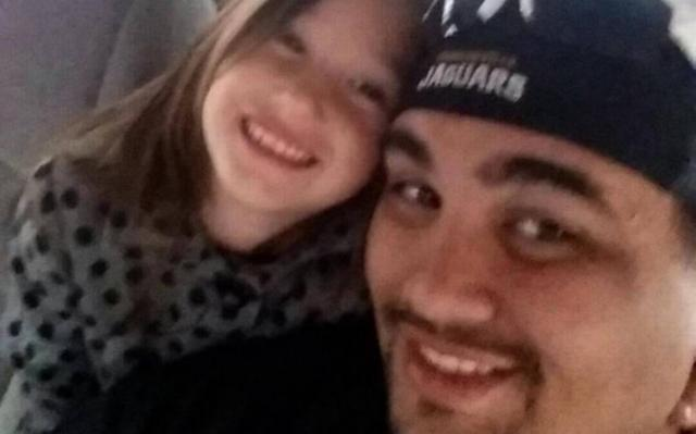 Father, 28, dies trying to rescue 6-year-old daughter from riptide