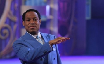 Pastor Chris hosts a 5-day Your Loveworld Specials Live broadcasts from today