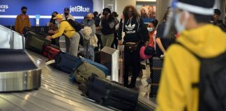 U.S. air travellers top 1.5 million for first time since March 2020